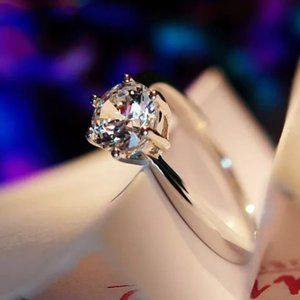 Jewelry - Size 8 White Sapphire 10K Solitaire Ring